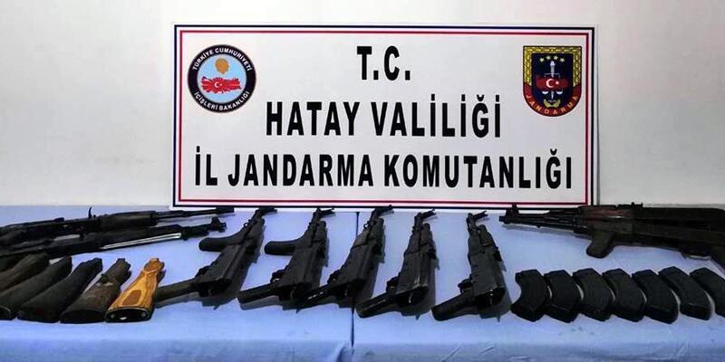 Reyhanlı'da toprağa gömülü uzun namlulu 9 silah ele geçirildi