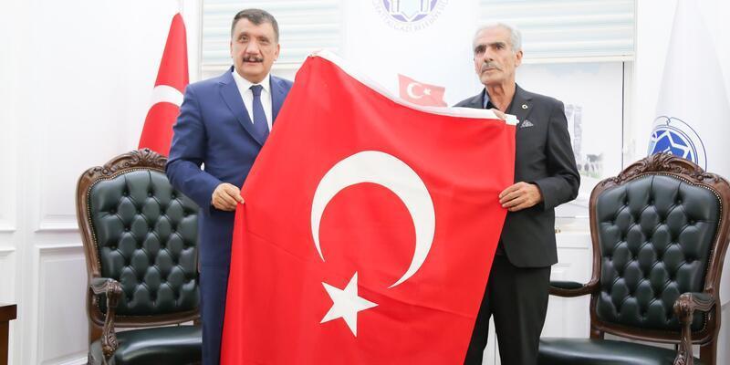 Şehit babası Sekin'den, Polat'a ve Gürkan'a ziyaret