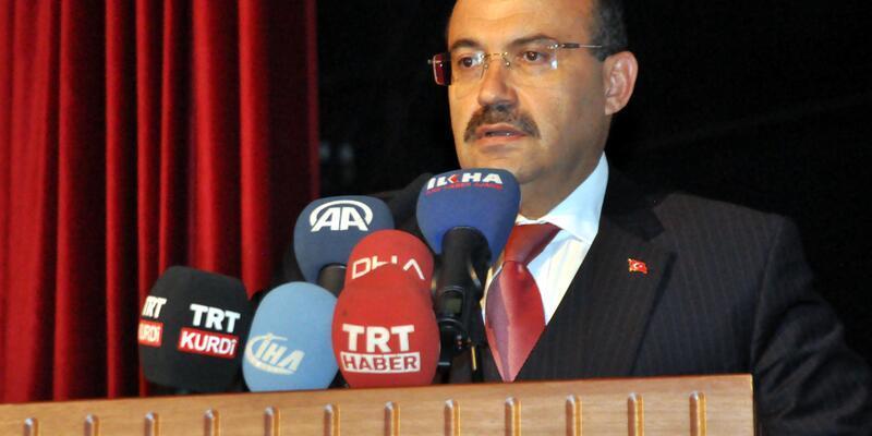 Bitlis'te, 'Prof.Dr. Fuat Sezgin' paneli