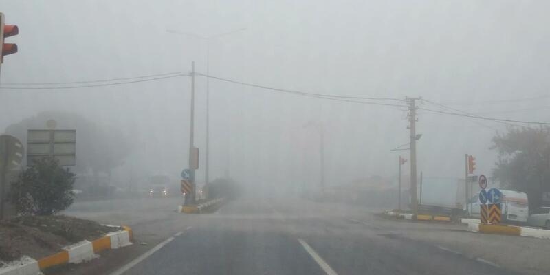Turgutlu'da sis etkli oldu