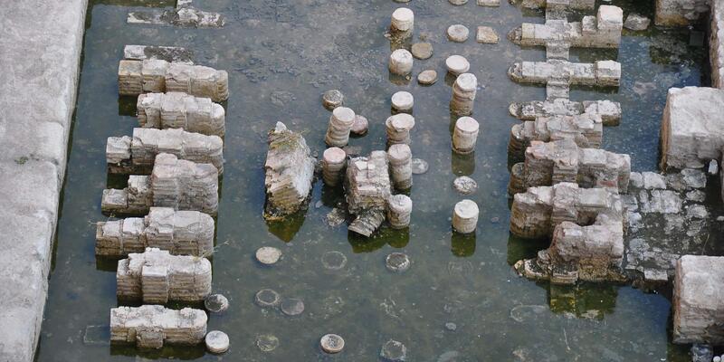 İşhanı zemininden Roma imparatorluk salonu çıktı