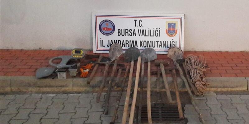 Bursa'da defineciler suçüstü yakalandı
