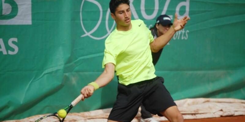 Milli tenisçi Altuğ Çelikbilek'ten çifte zafer