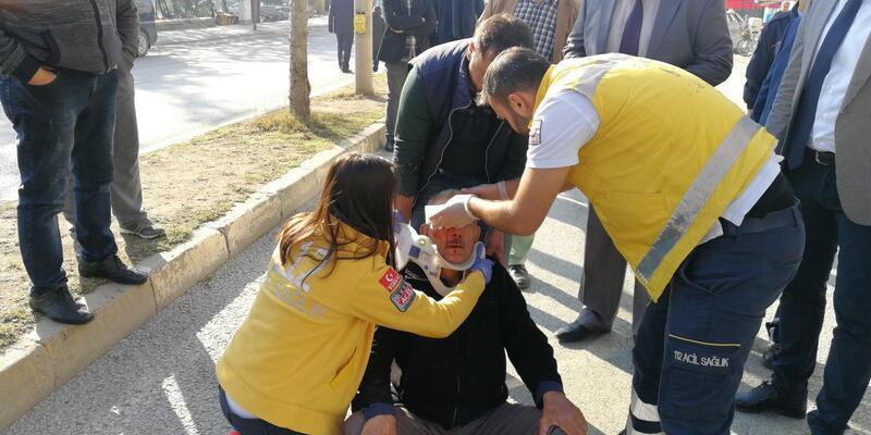 Emniyet şeridine takılan bisikletli yaralandı