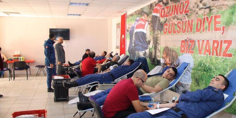 Bursa'da jandarmadan kan bağışı