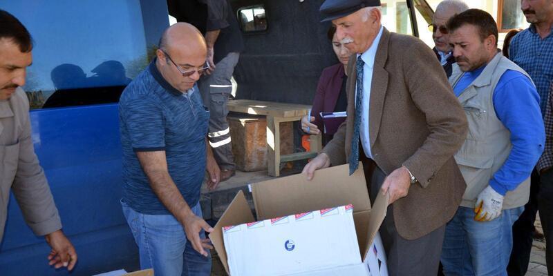 Kahramankazan'da çiftçilere ücretsiz tarım ilaçları dağıtıldı