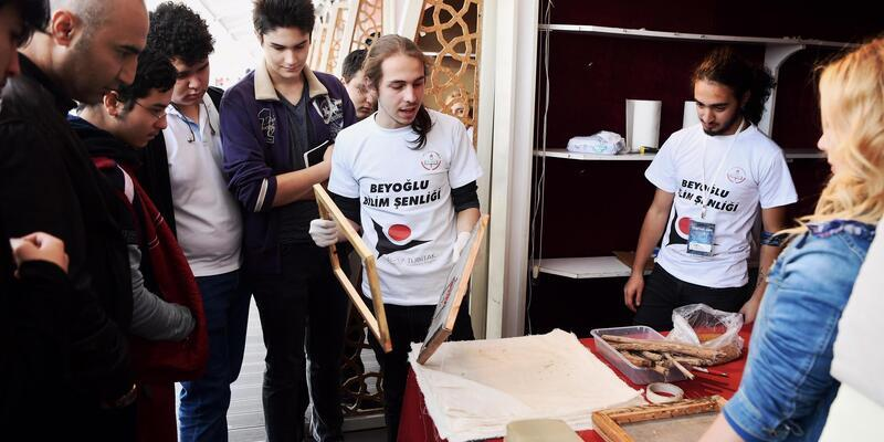 Meraklı zihinler Beyoğlu'nda buluştu