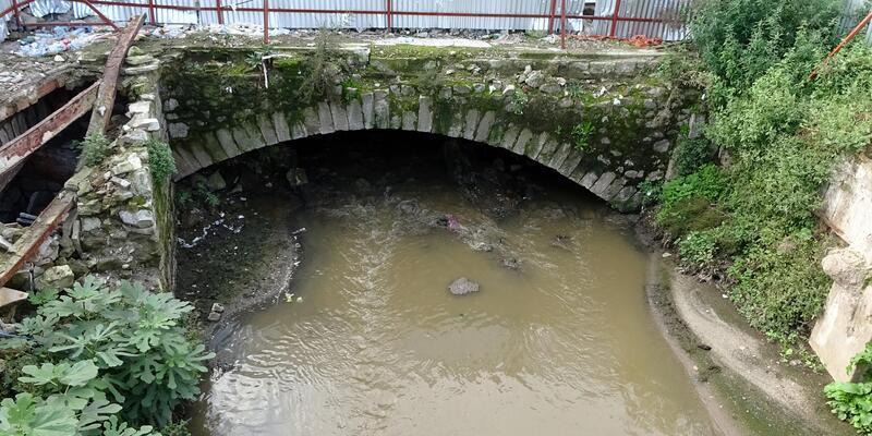 Kentsel dönüşümde ortaya çıkan tarihi kalıntı için 'Köprü mü, menfez mi?' tartışması