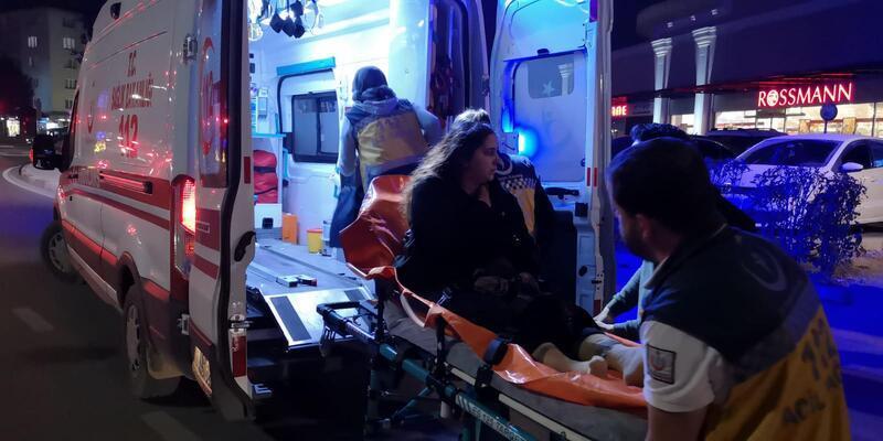 Hafif ticari aracın çarptığı kadın yaralandı