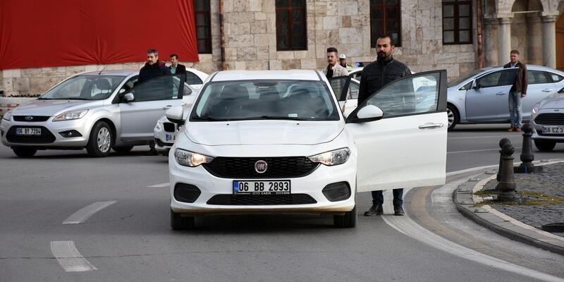 Sivas'ta Beşiktaş'ın altyapı oyuncuları da saygı duruşunda bulundu