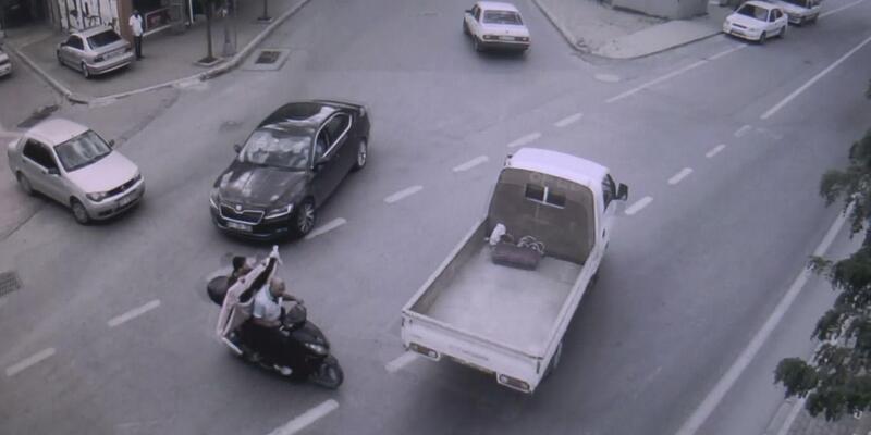 Motosikletli hırsızlık şüphelileri yakalandı