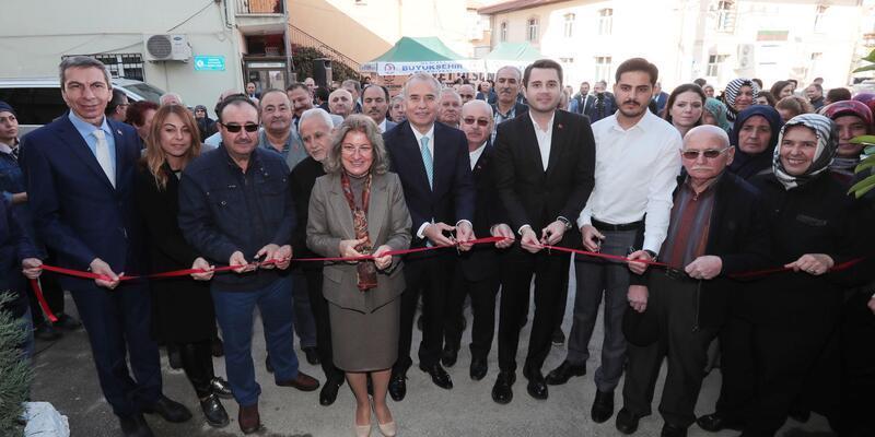 Denizli Büyükşehir'den millet kıraathanesine benzeyen kültür evi açıldı