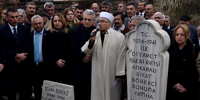 CHP'liler ilk Diyanet İşleri Başkanının mezarını ziyaret etti