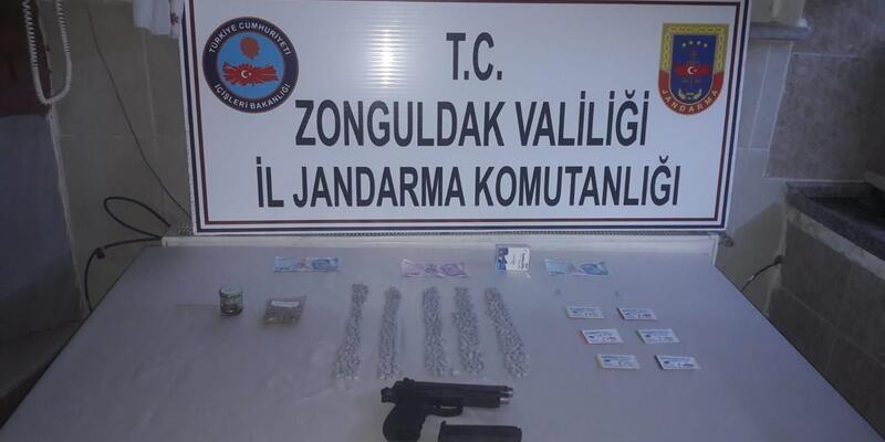 Okul müdürü uyuşturucudan gözaltına alındı
