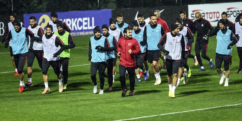 Milli Takım'da Cengiz Ünder antrenmanda yer almadı