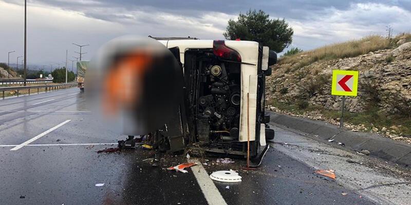 Yolcu otobüsü devrildi: 25 yaralı