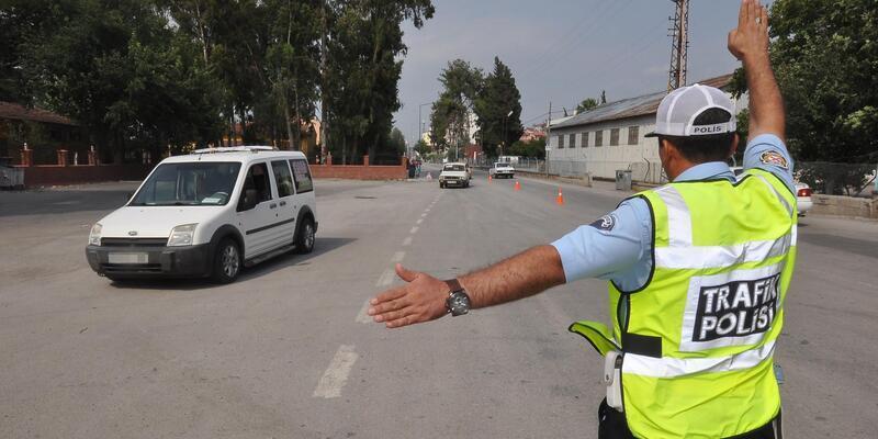 Valilik, abartı egzoz takan işyeri sahiplerini ve kullanan sürücüleri uyardı