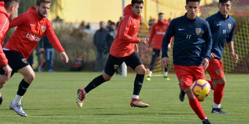 Kayserispor özel maçta U-21 takımını 3-1 yendi