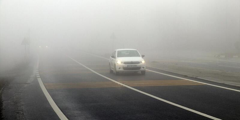 Bolu Dağı'nda yoğun sis... Görüş mesafesi 15 metreye kadar düştü