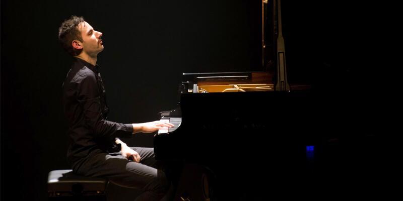 Rekortmen piyanist, Türkiye'de ilk konserini verdi