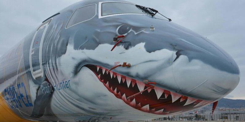 Köpek balığı görünümlü uçak İstanbul'da
