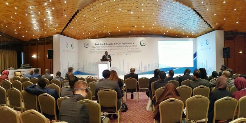 Genç Diplomatlar için ikinci İİT Diplomasisi Eğitimi İstanbul'da başladı