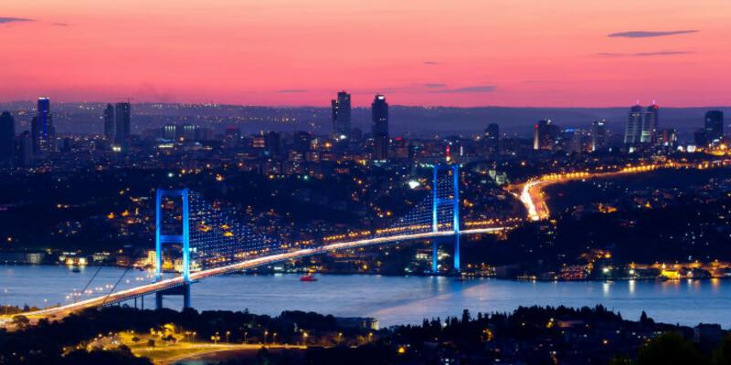 İstanbul Boğazı 3 saat gemi trafiğine kapatıldı