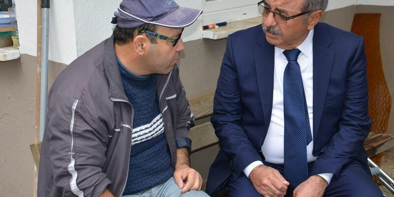 Belediye başkanından yürüme zorluğu çeken Erkan Can'a tekerlekli sandalye