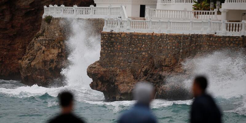 Antalya ve Muğla için kuvvetli yağış uyarısı