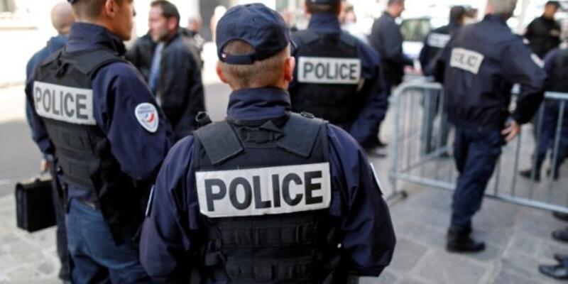Fransa'da bombalı saldırı paniği!