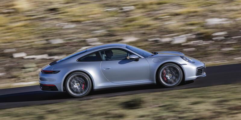 """Porsche 911 artık daha """"dijital ve hızlı"""""""