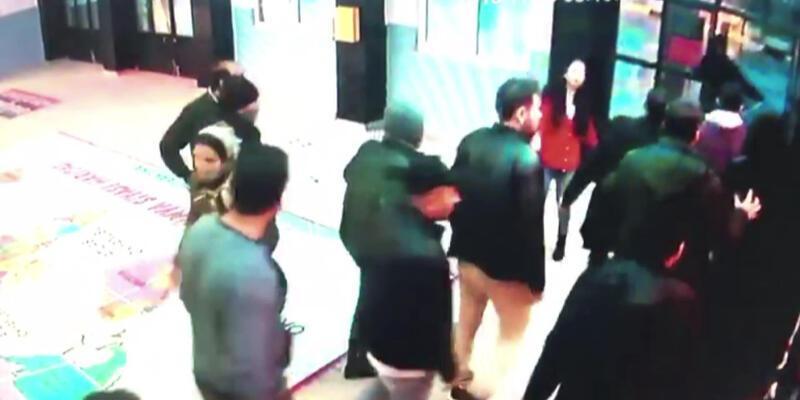"""Avcılar'da """"öğretmeni dövmek için okulu bastılar"""" iddiası"""