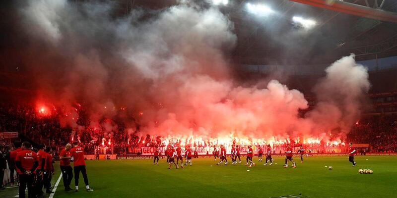 Galatasaray turnikeleri 17.30'da açacak