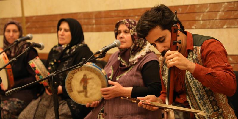 Uluslararası Halk Müziği Festivali kapılarını açtı