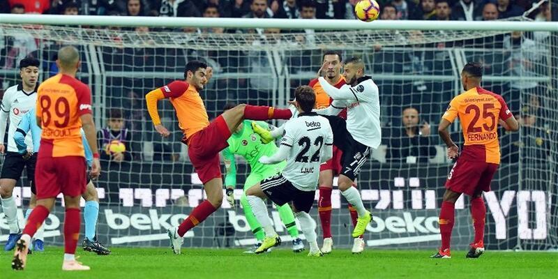 Beşiktaş'tan Galatasaray'a şarkılı gönderme