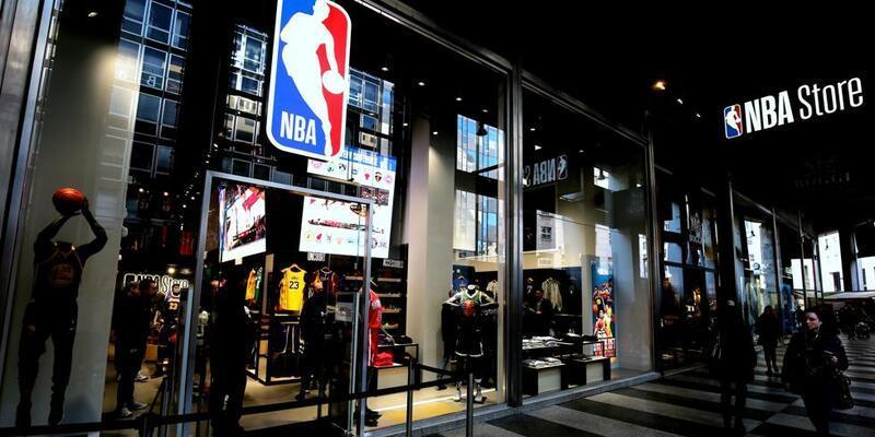 Avrupa'daki ilk NBA Store açıldı