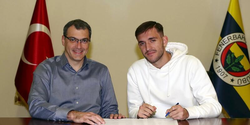 Fenerbahçe Cenk Alptekin'le imzaladı
