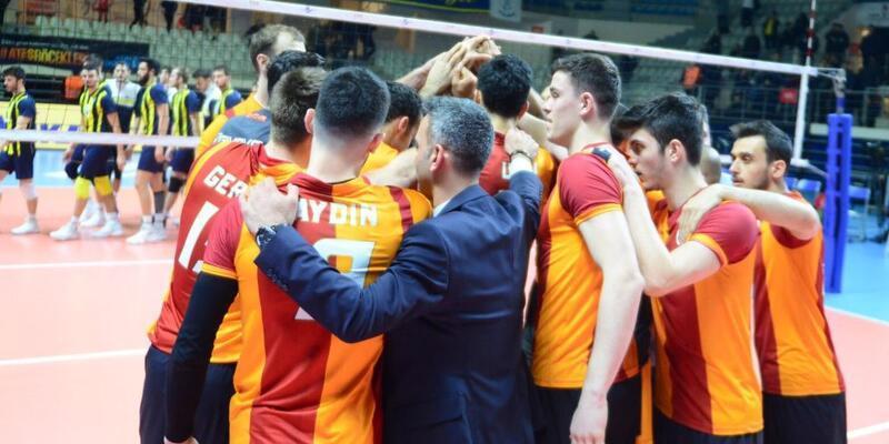 Galatasaray, Fenerbahçe'yi deplasmanda devirdi