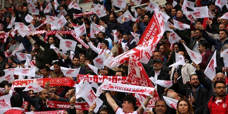 Sivasspor galibiyeti Eren Dolak'a armağan edecek