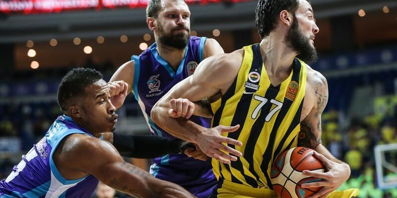 Fenerbahçe evinde farklı kazandı