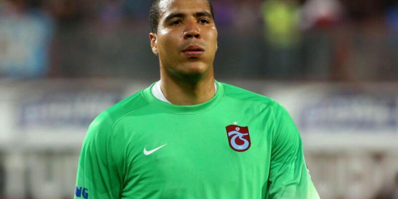 Trabzonspor'da kaleci Esteban kenti terk etti