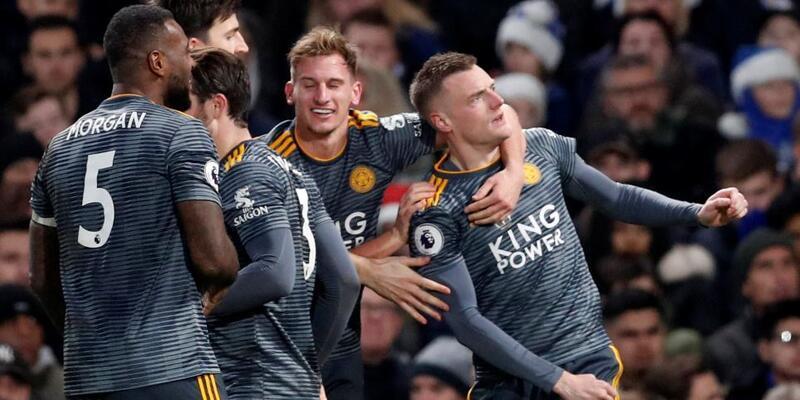 Chelsea'yi Vardy yıktı