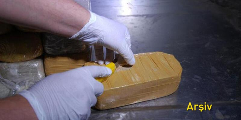 Şoför adresi şaşırınca bir konteyner kokain polisin eline geçti