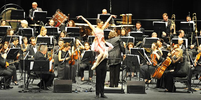 Viyana konseptli yeni yıl konseri büyük beğeni topladı