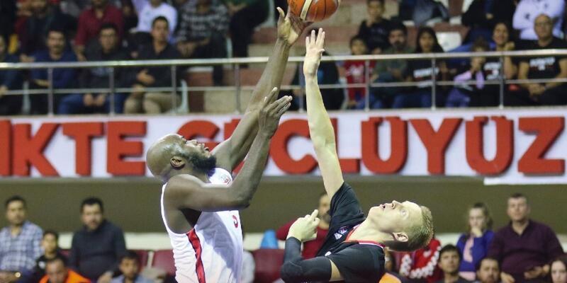Gaziantep Basketbol'da James'le yollar ayrıldı