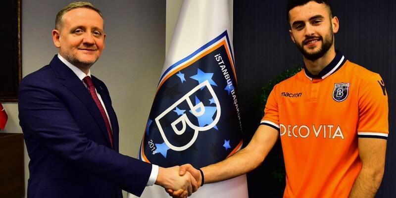 Başakşehir Muhammet Arslantaş'la sözleşme imzaladı