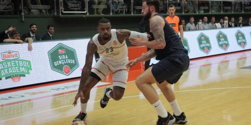 Banvit, Fenerbahçe'yi uzatmada devirdi