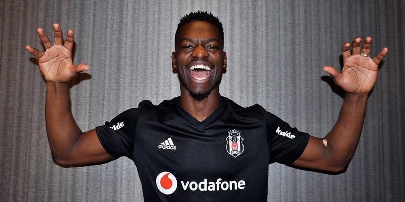 PSV ile Beşiktaş Twitter'da paslaştı
