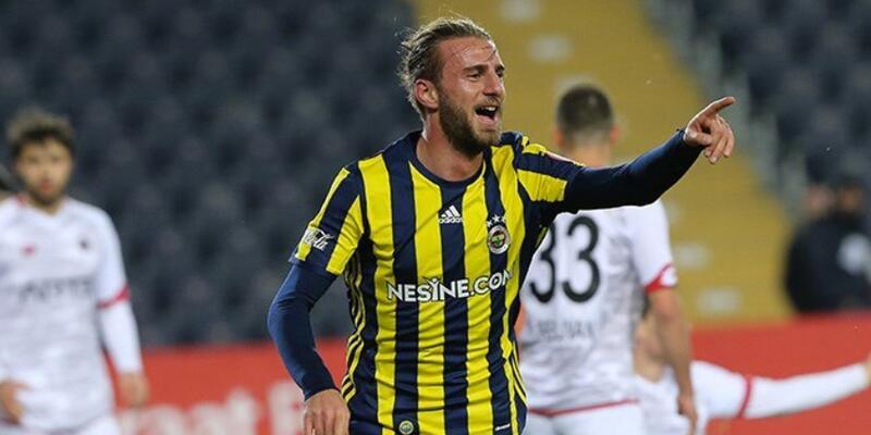 Fenerbahçe iki futbolcusunu Yeni Malatyaspor'a gönderdi