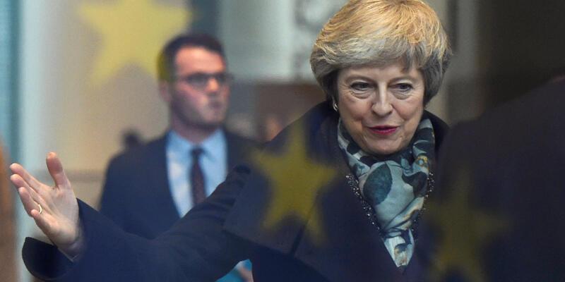 Theresa May'den kritik Brexit hamlesi